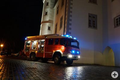 LF20/16 vor dem Schloss